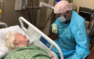 90-year-old Florida man who wore protective gear to say goodbye to wife has died